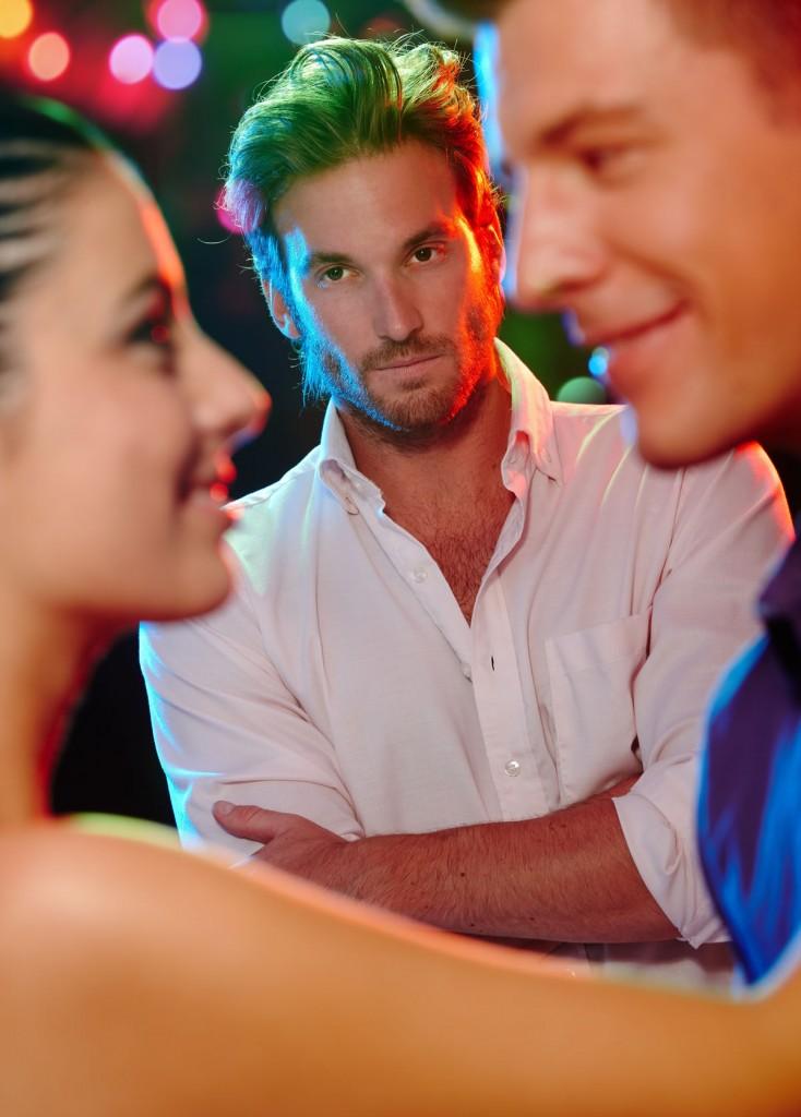 Männer mit freundin flirten